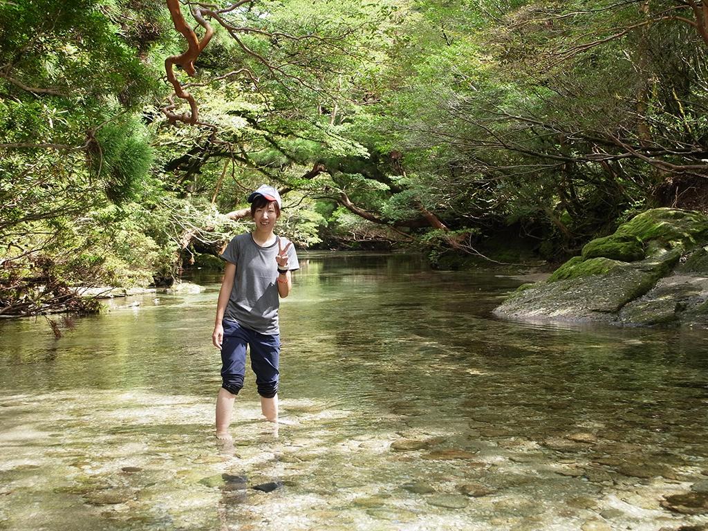 今年は綺麗な状態が少なかった淀川ですが、キレッキレの美しさで、参加者Mさんも川に入ってご満悦の写真