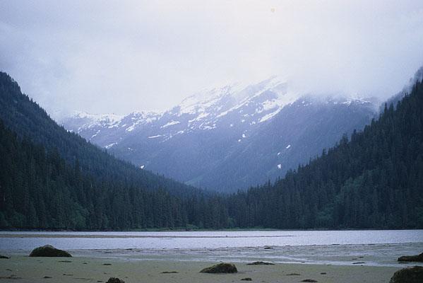 目の前に広がる大きな大きなカール地形が分かる写真