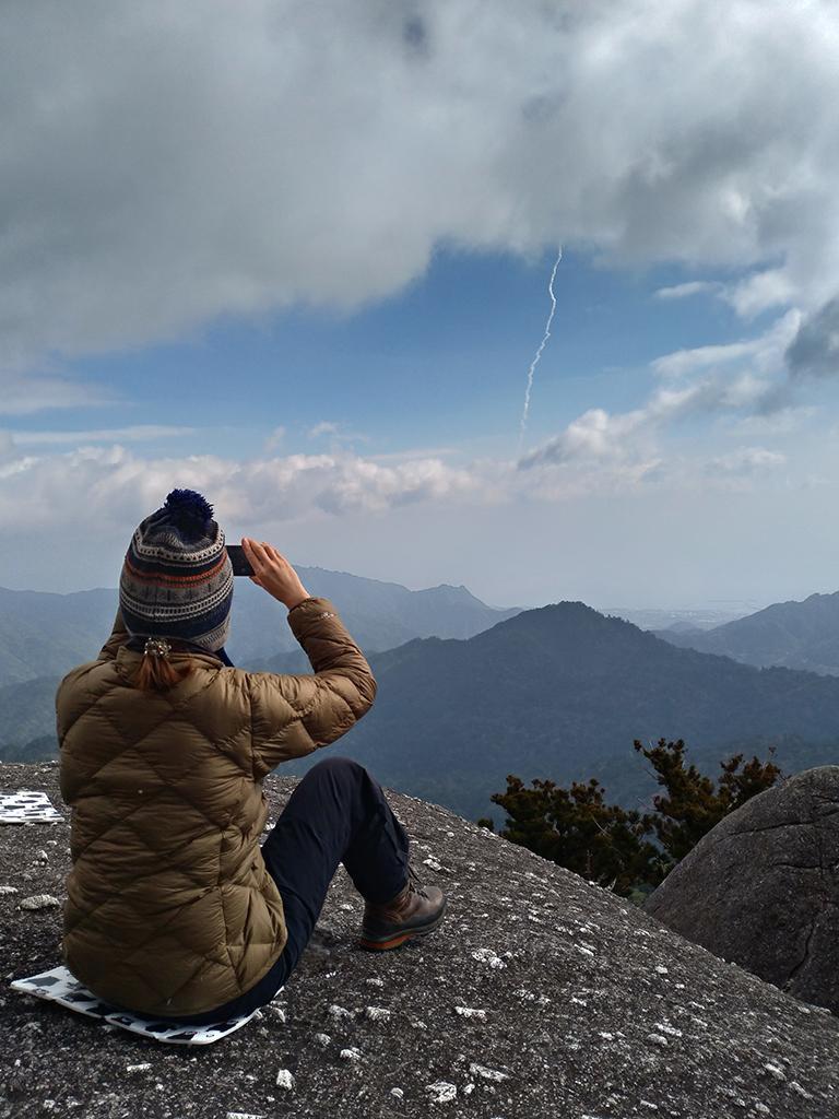 冬の屋久島で、山頂からH-2Aロケット発射を見に行く